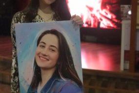 Безумно рады полученному подарку — портрету по фото, видео отзыв.